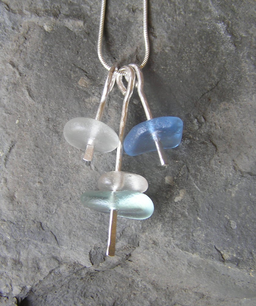 Image of Trio of seaglass stackers pendant.