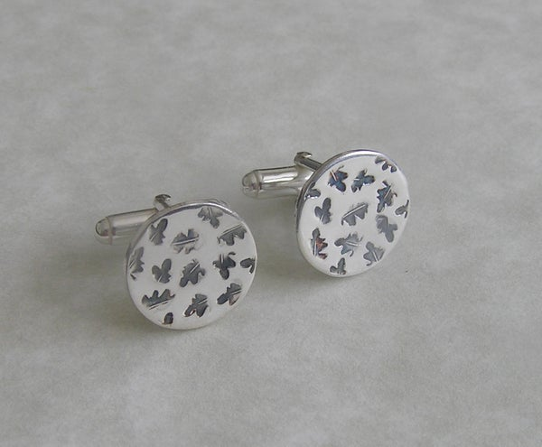Image of Oak leaf cufflinks