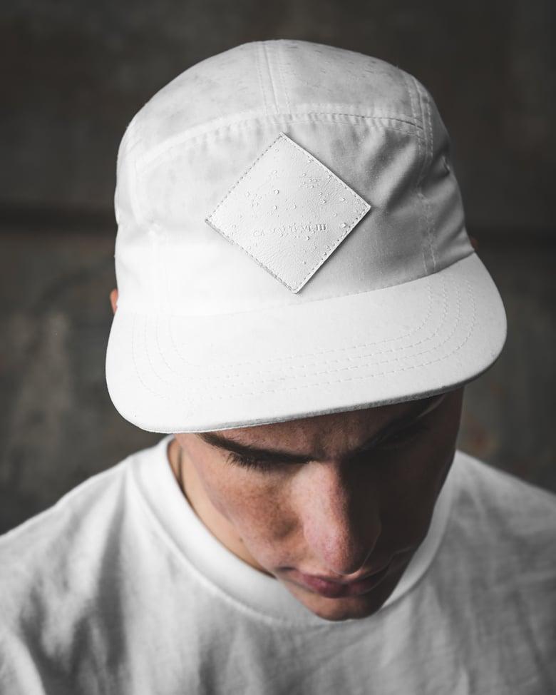 Image of WHITE UNICORN HAT