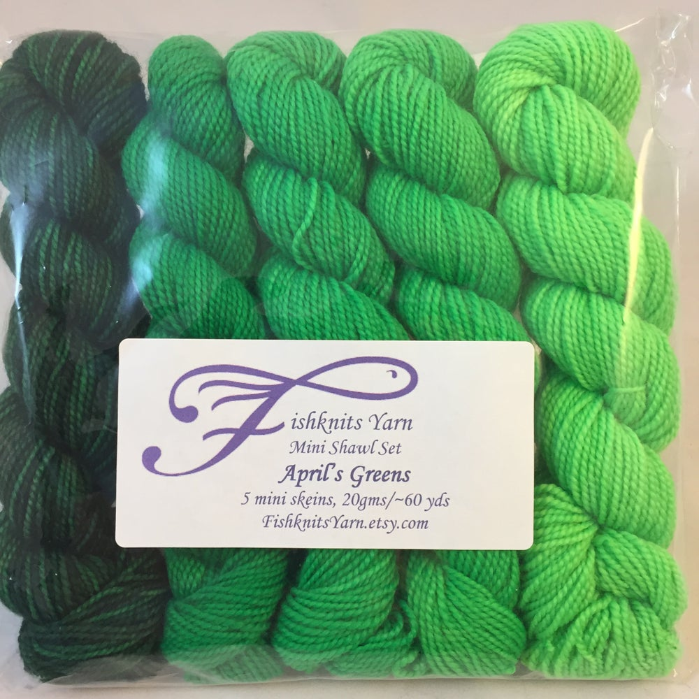 Image of April's Greens: Mini Shawl Set Gradient, Warm Heart, 100 gms