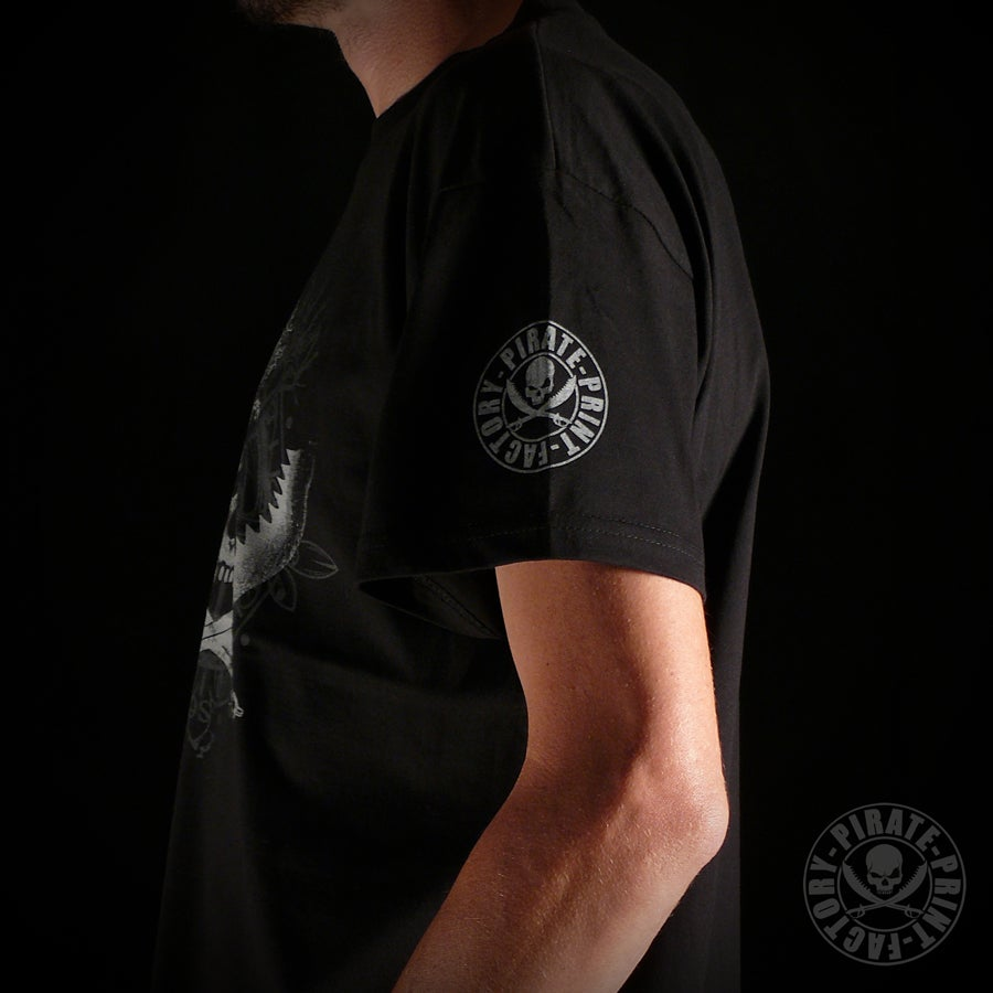Image of T-SHIRT ANTIK JOLLY ROGER NOIR