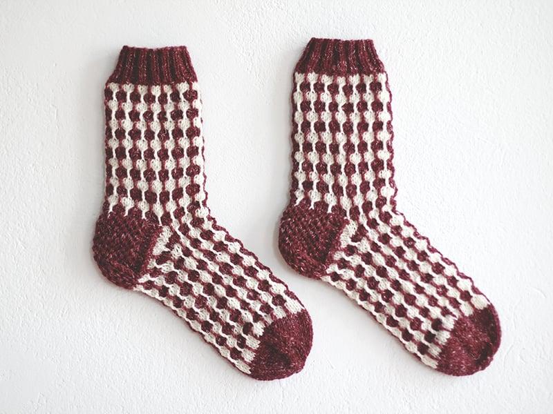 Organic white dots Bordeaux socks