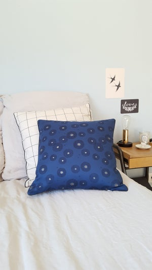 Image of Coussin Fairy Clock navy