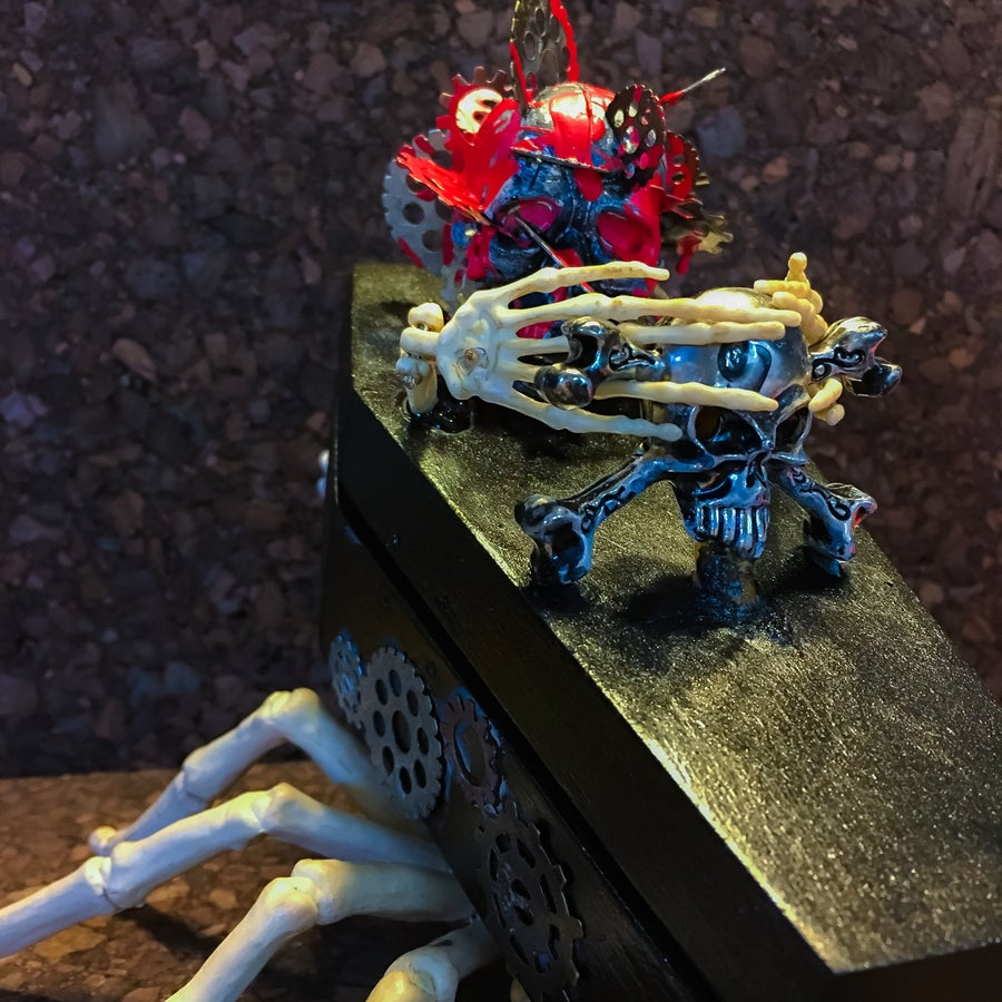 "Image of 5/10 ""Gearhead"" Coffin/Pin Set"