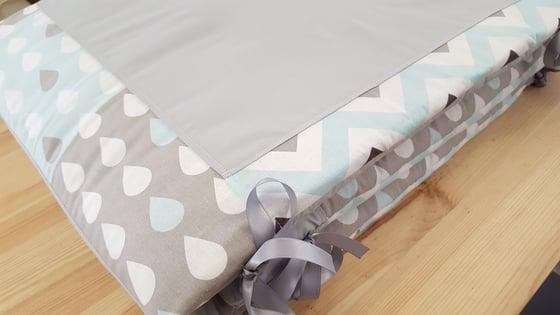 Image of Sur commande: Tour de lit bébé personnalisable rectangulaire
