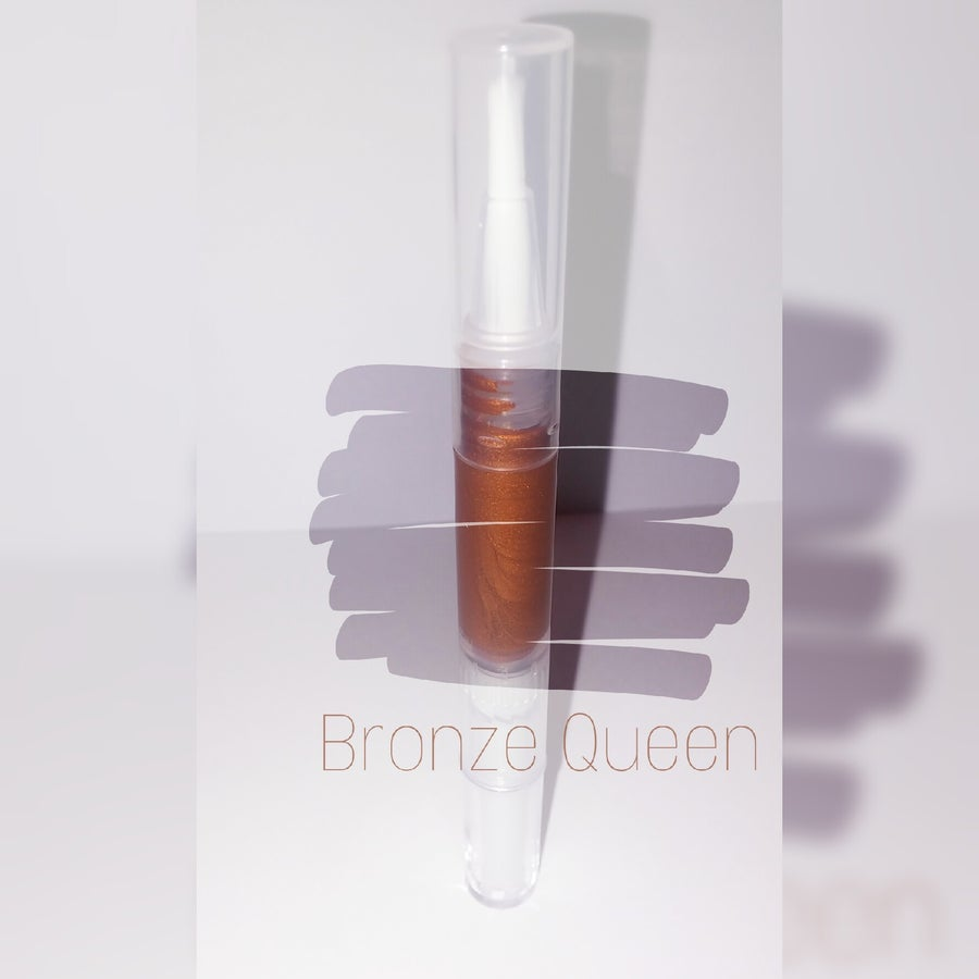 Image of Bronze Queen