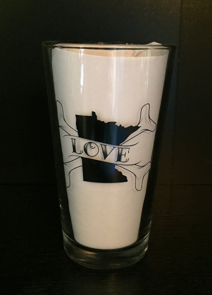 Image of Minnesota Love Pint Glass