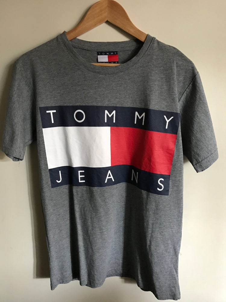 d0d01f43 Fresh Ralph Seller — Tommy Jeans by Tommy Hilfiger - Big Logo T ...