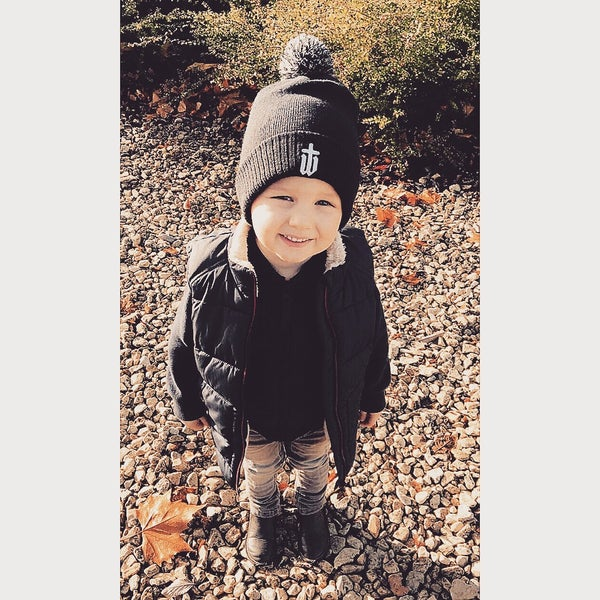 Image of KIDS BOBBLE HAT