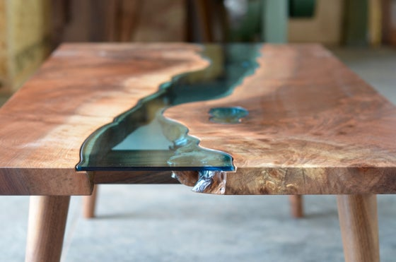 Image of mid-century modern river® coffee table