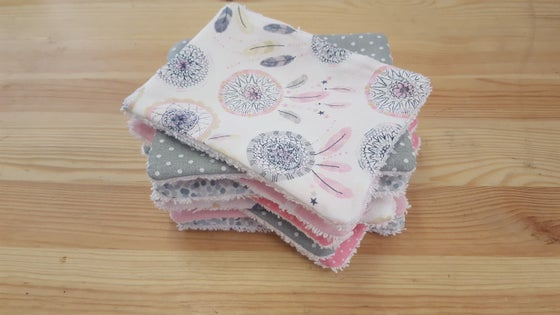 Image of En stock: Lot de 10 lingettes lavables attrapes-rêves rose et grise