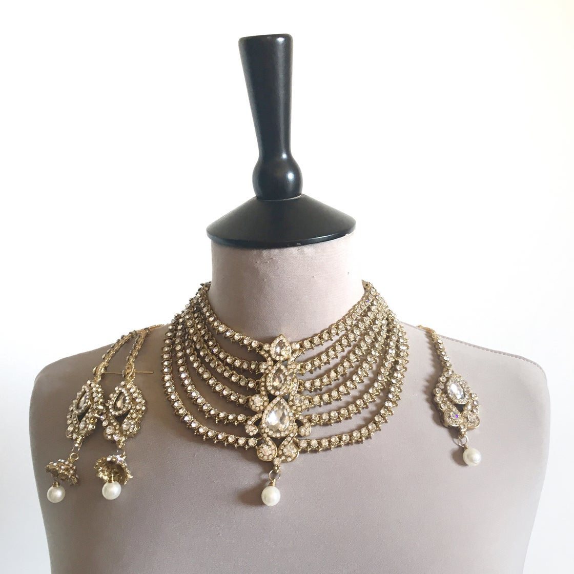 Image of Zoya Crystal Necklace Set