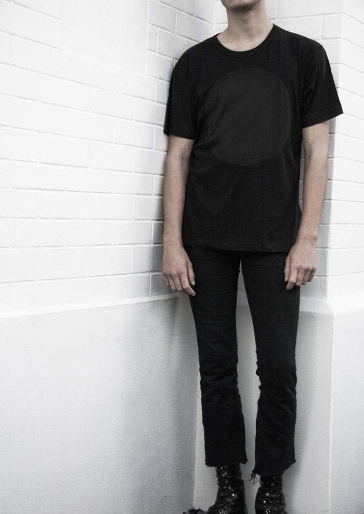 Image of GREY LABEL TENCEL LUNAR T-SHIRT IN BLACK
