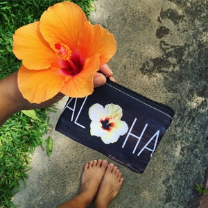 Image of Aloha Hibiscus Clutch