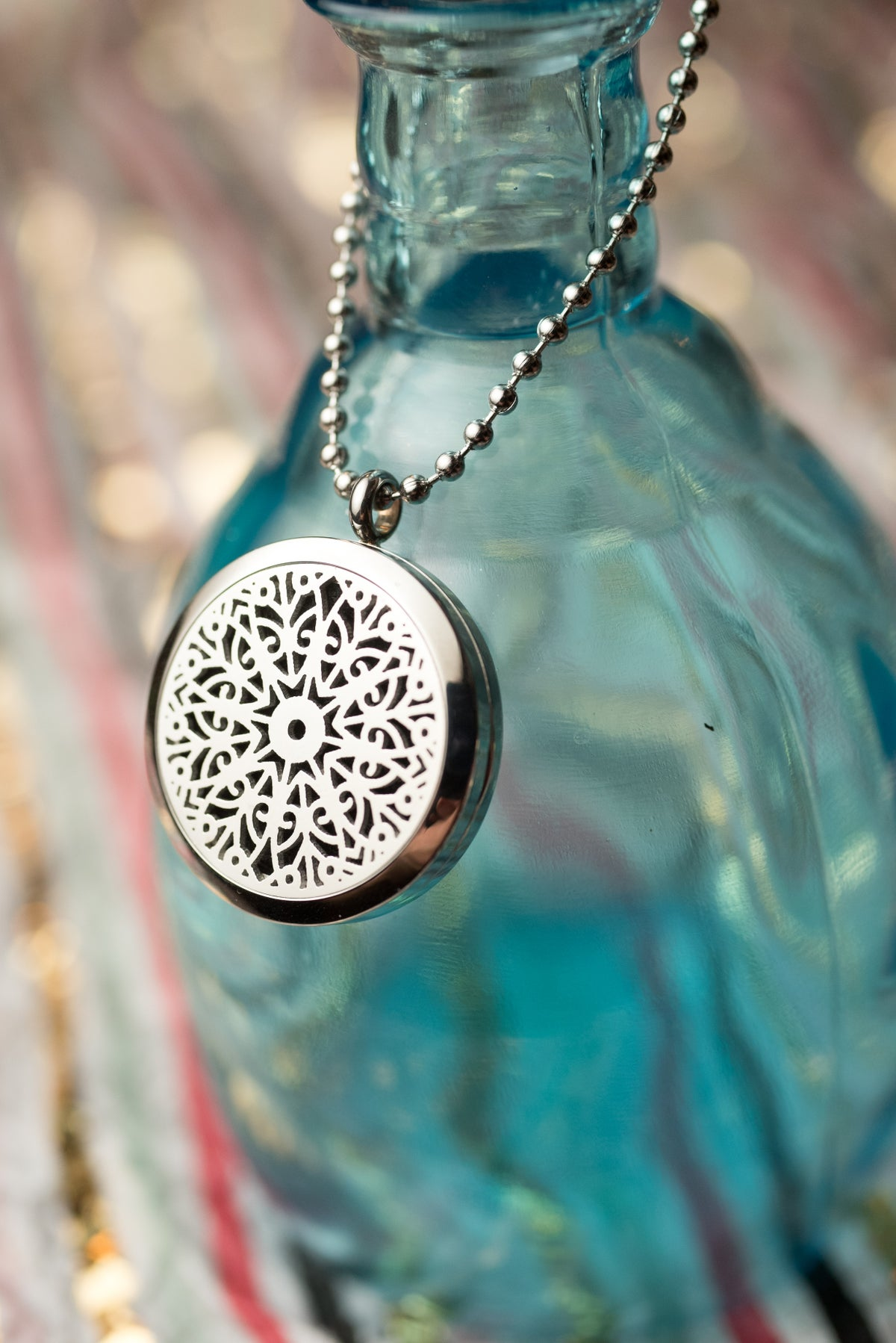 Image of Norge Snowflake Essential Oil Diffuser Necklace
