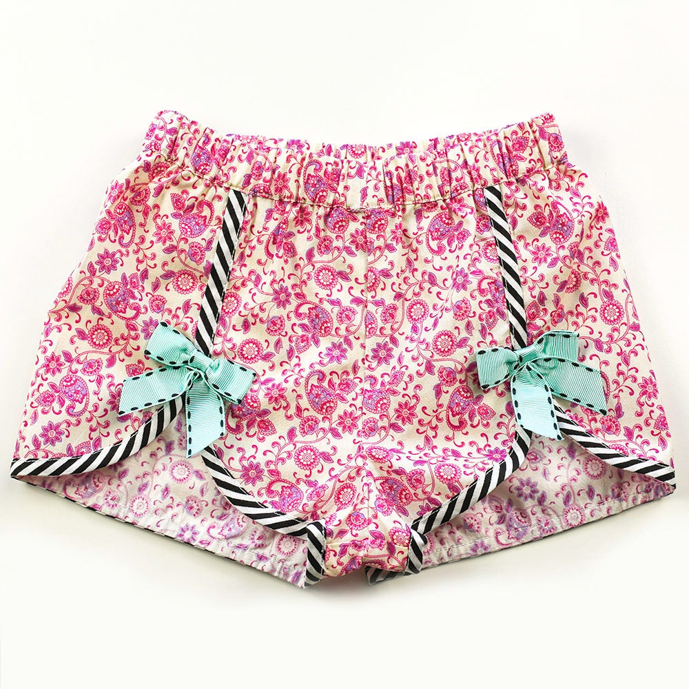 Image of Polly Vintage Bow Shorts - Pink Paisley