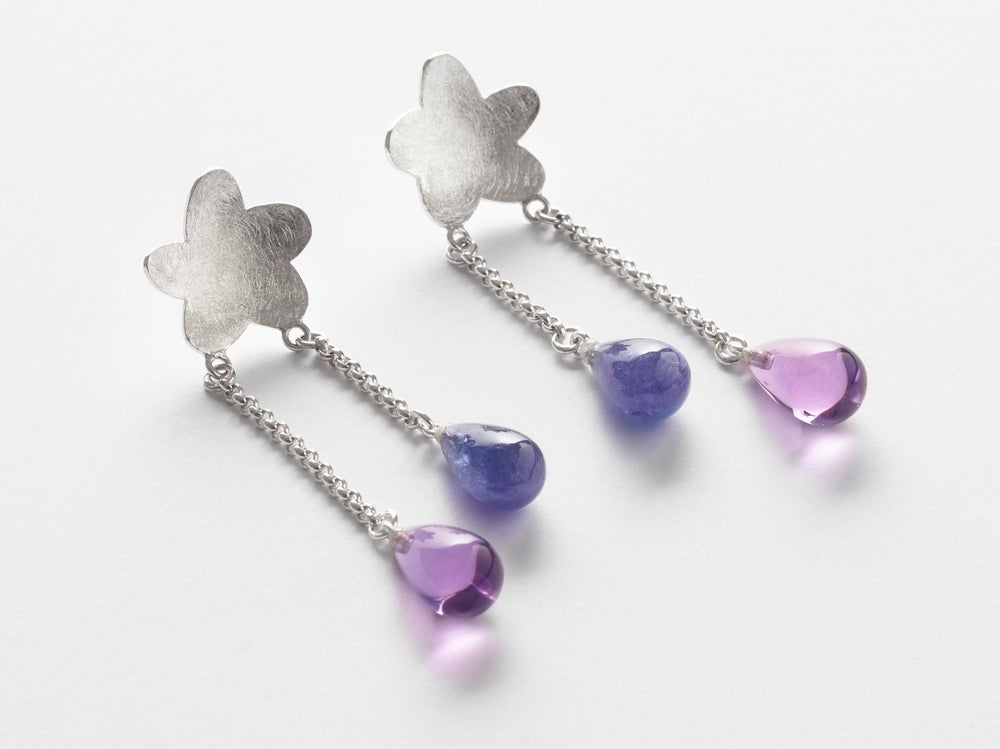 Image of earrings in silver with amethyste and tanzanite - oorringen in zilver amethyst en tanzaniet
