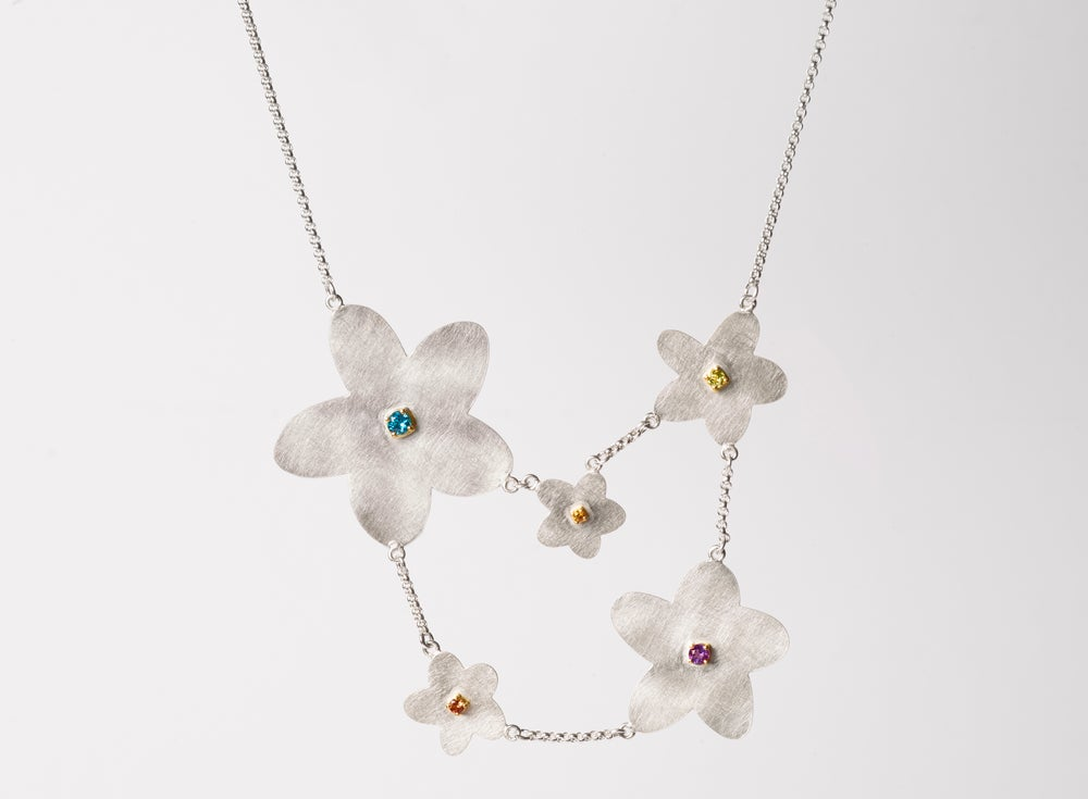 Image of 'Étoile chanceuse' necklace in silver, gold and coloured gems