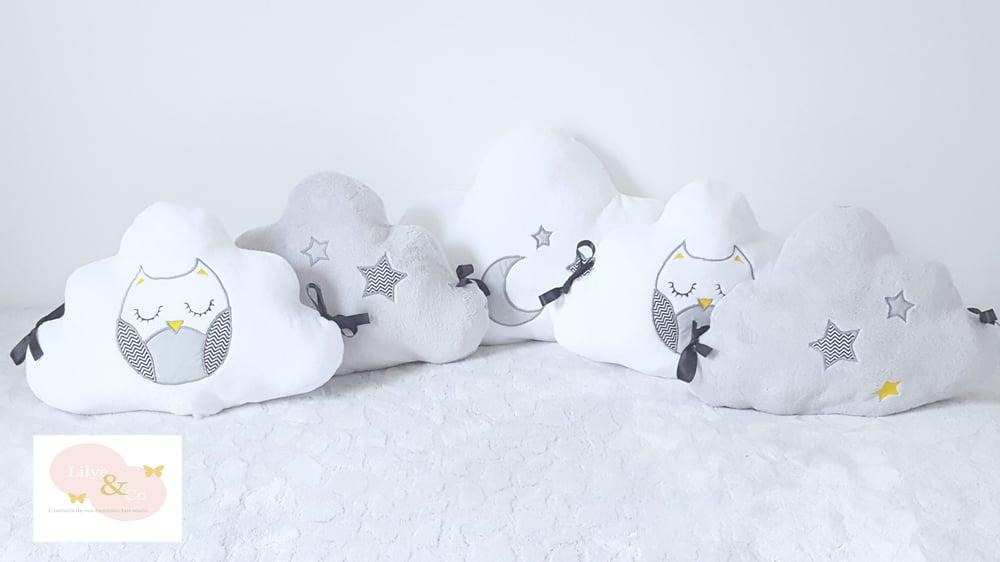 Image of Sur commande: Ensemble tour de lit nuage et gigoteuse chouette