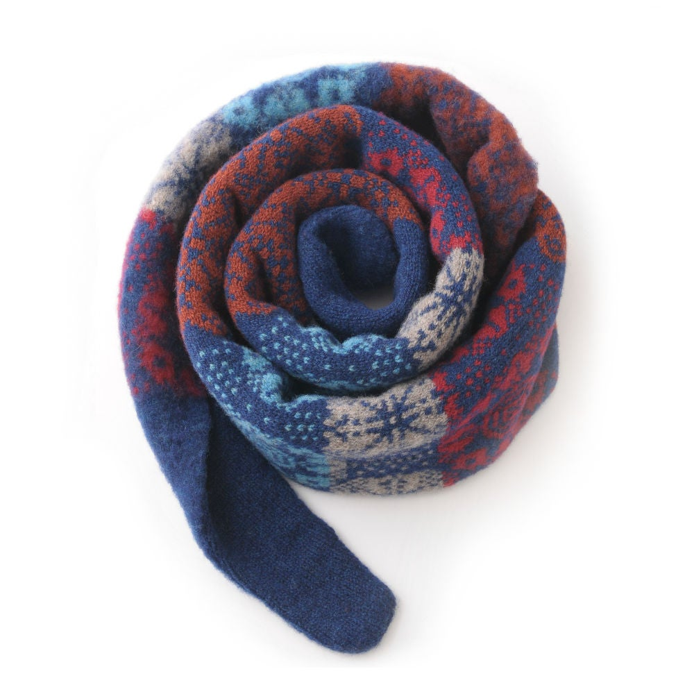 Image of Multi Rose Pointy Scarf in Navy