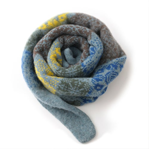 Image of Multi Rose Pointy Scarf in Pale Blue Mix