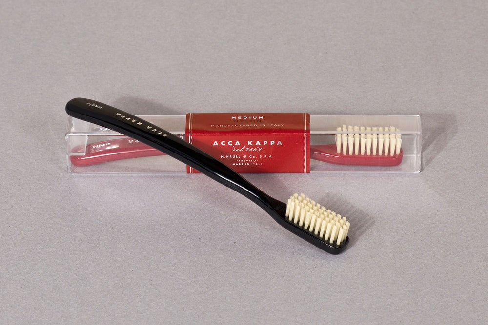 Image of SPAZZOLINO DA DENTI / TOOTHBRUSH