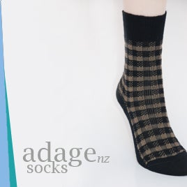 Image of Soft Merino Blend Dress Socks  - Plaid