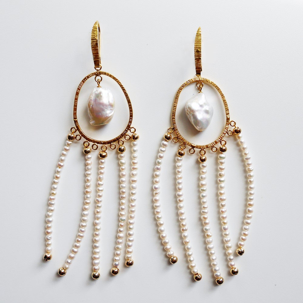 Image of Amilla Earrings (Gold/White Pearl)