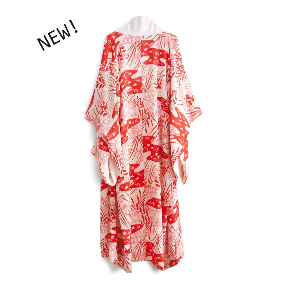 Image of White/red silk kimono w Iris flowers and birds