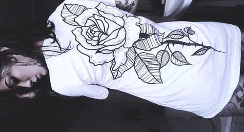Image of ORGVSM WHITE ROSE