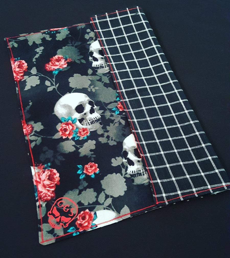 Image of Skulls and Roses