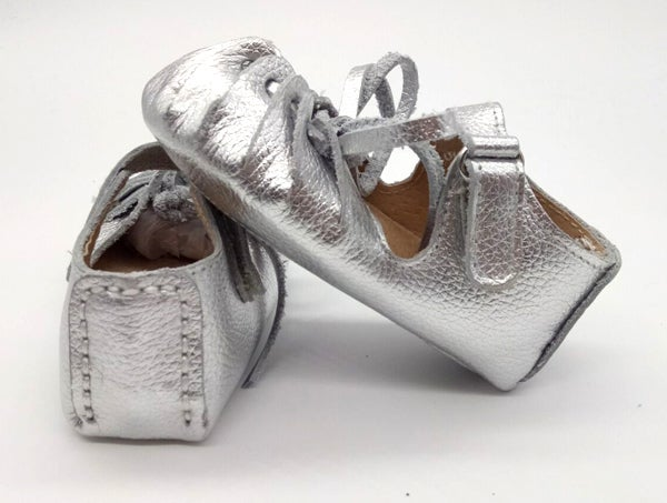 Image of Curly Moccasin Sandals - Silver or Gold