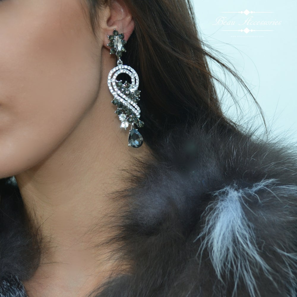 Image of Grey Crystal Drop Earrings