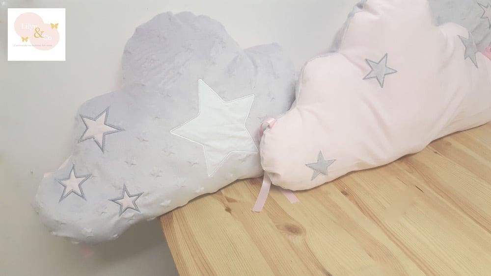 Image of Sur commande: Tour de lit nuage 3 coussins thème étoile personnalisable