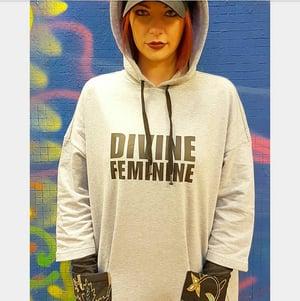 "Image of **** VESTITO OVERSIZE FELPATO ""DIVINE FEMININE"" WAX JAVA ****"