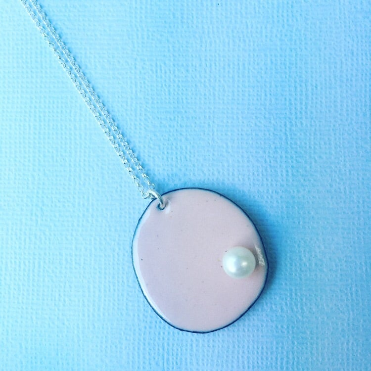 Image of Pearly pendant - Pastel pink