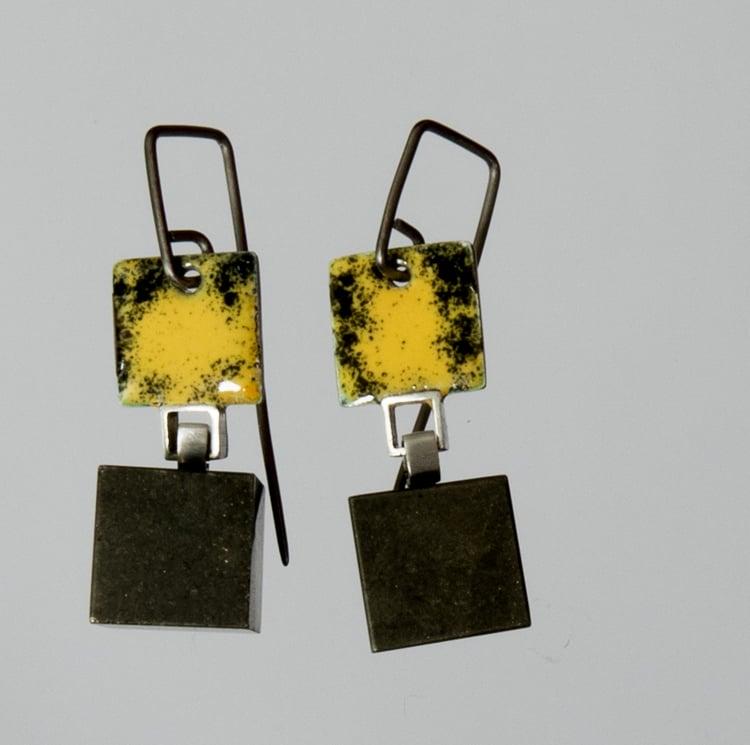 Image of Enamel & cube earrings.