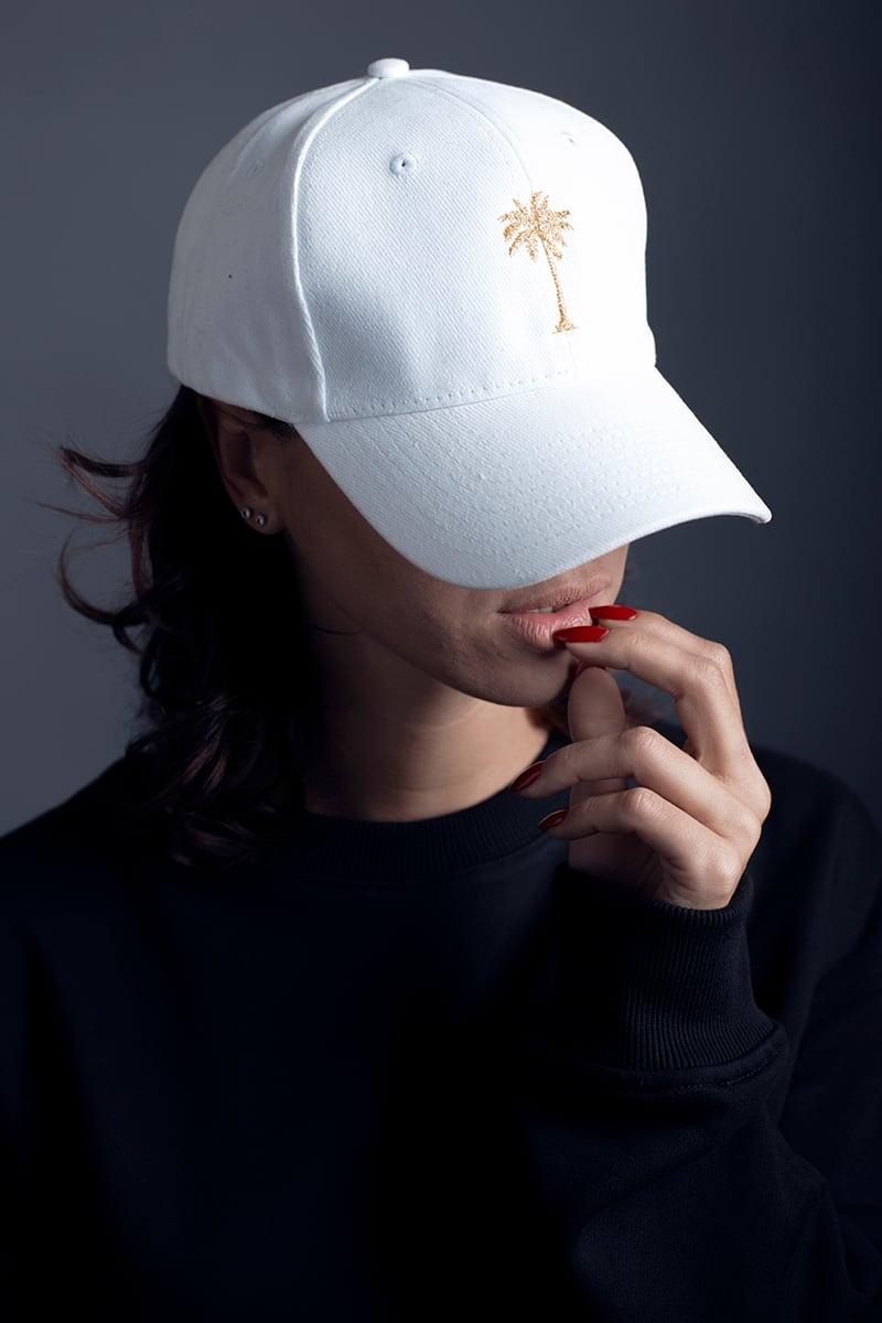 Image of HAT / WHITE