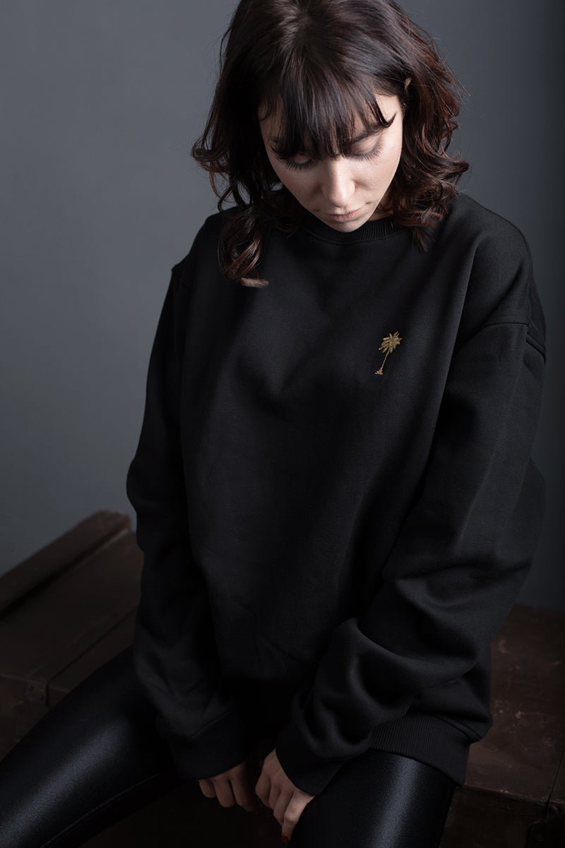 Image of SWEATSHIRT / BLACK / WOMAN