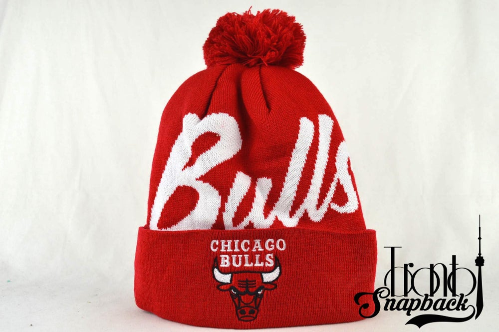Image of CHICAGO BULLS RED SCRIPT MITCHELL & NESS BEANIE