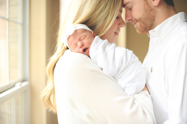 Image of Newborn Session DEPOSIT