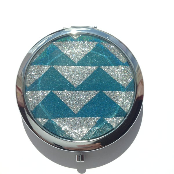 Image of Momoament - Compact mirror, painted with indie polish.