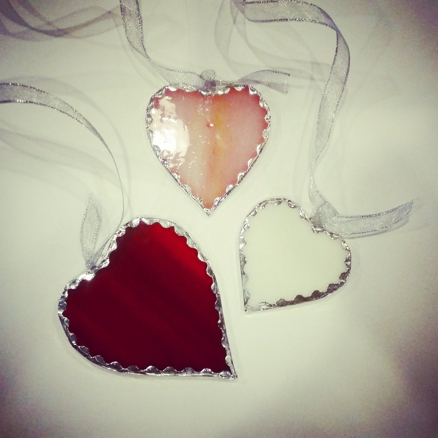 Image of Scalloped Glass Heart