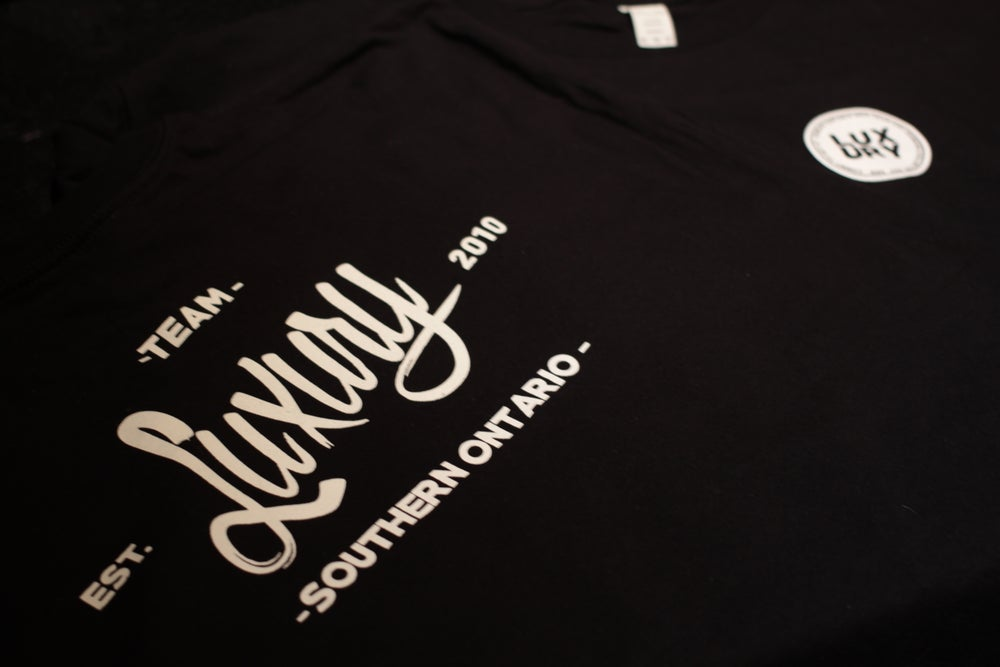 Image of DRINKING COLLECTIVE TEE.
