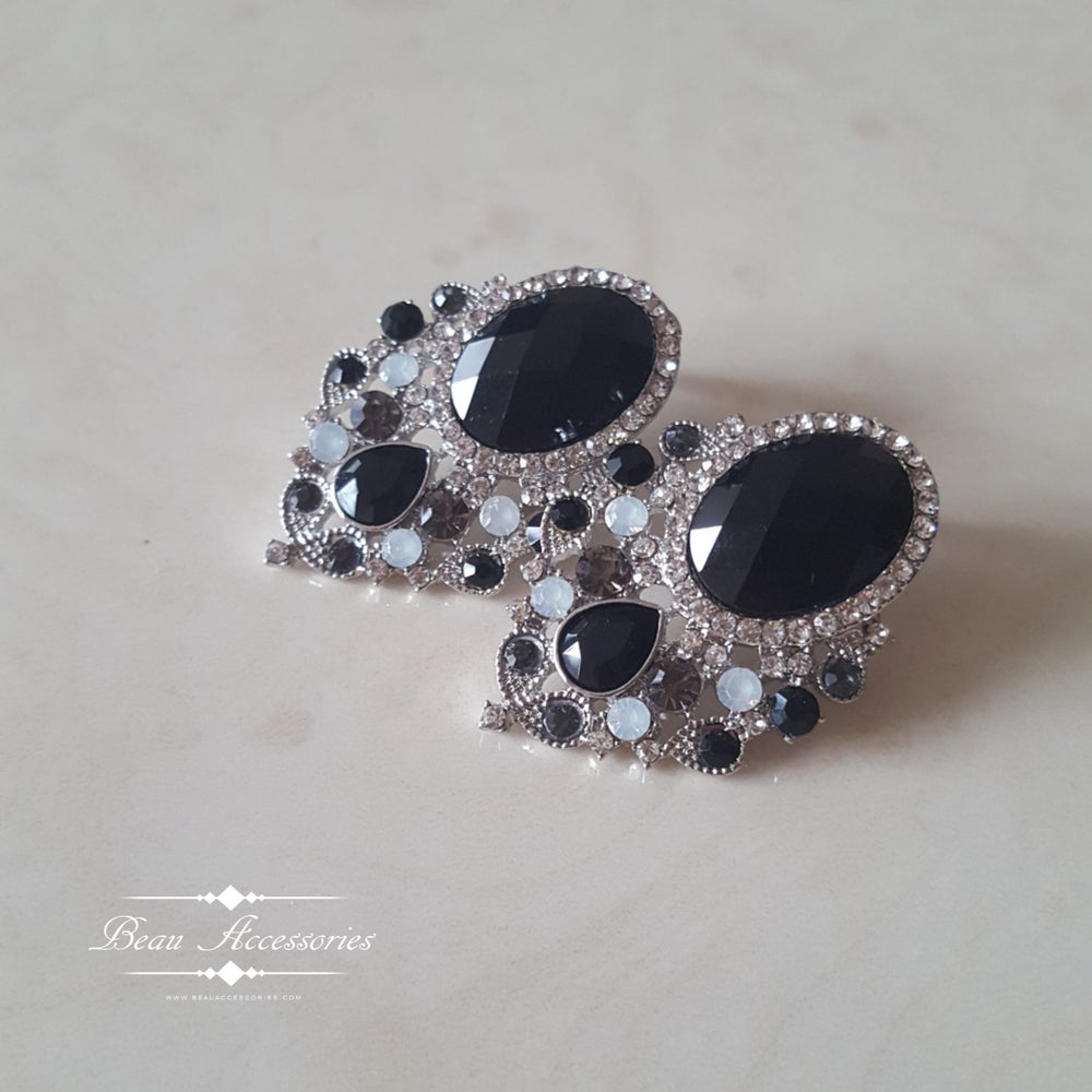 Image of Oval Black Studs