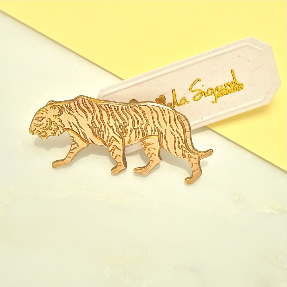 Image of Tiger pin