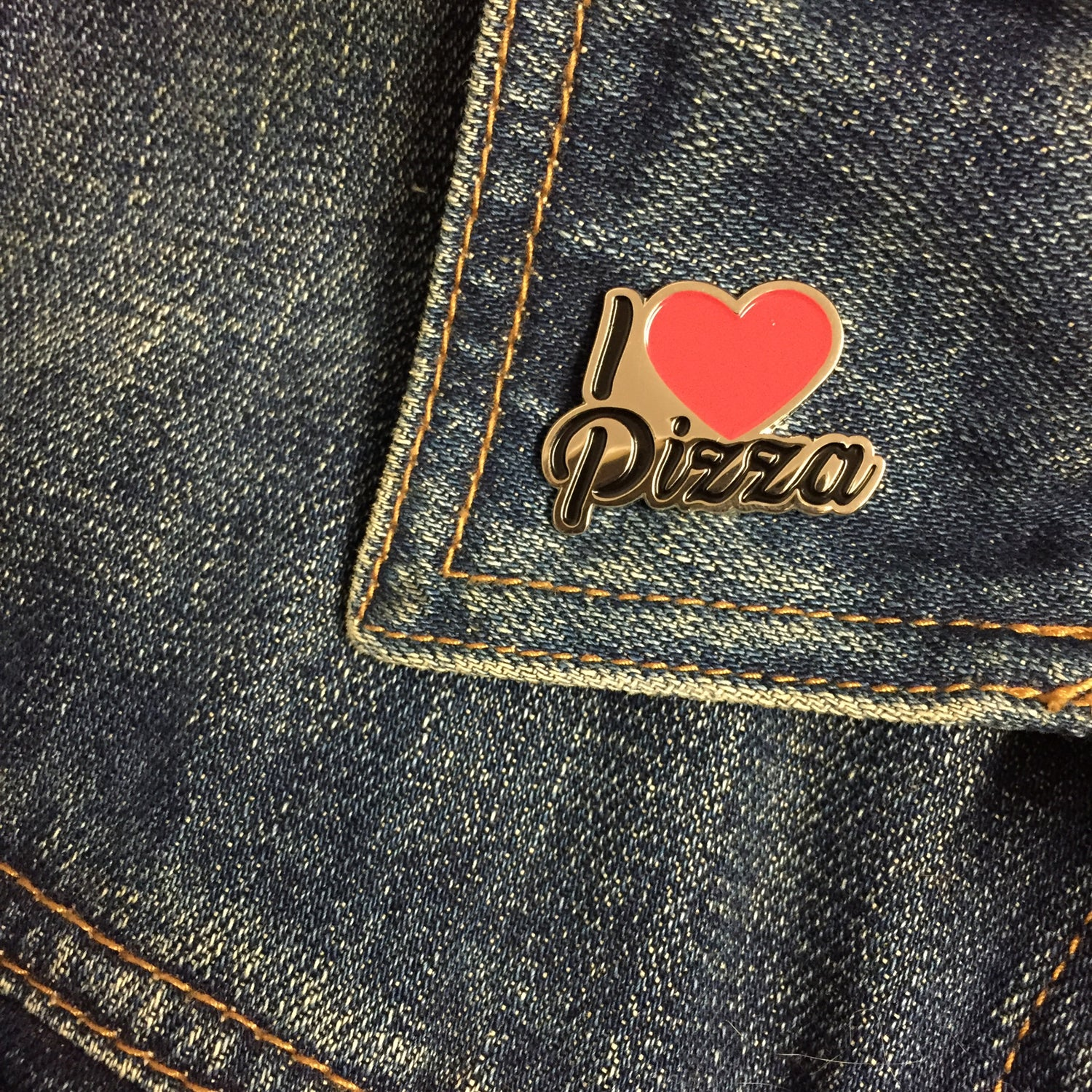 Image of I ❤️ pizza pin