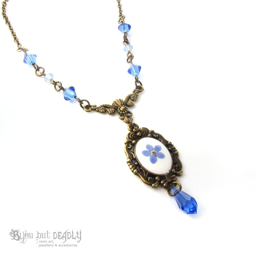Forget-me-not Flower Beaded Necklace