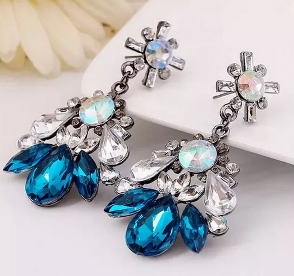 Image of CRYSTAL EARRING (3 colors available)