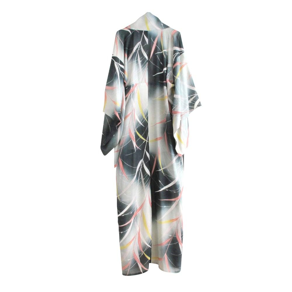 Image of Grøn-hvid silke kimono med bambus blade